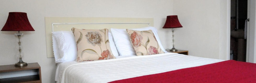 Adare B and B accommodation with Wifi and Parking